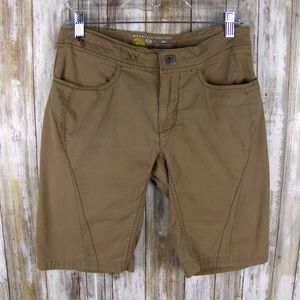 Womens Mountain Hardwear 4 khaki shorts 0110